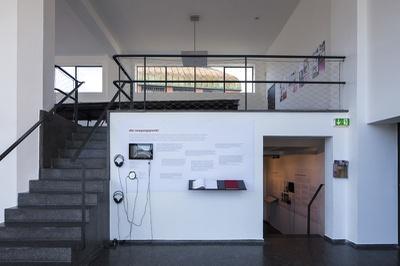 """Blick in die Ausstellung """"20 jahre architektur und tirol"""""""