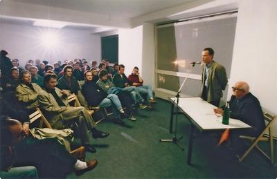 Vortrag von Friedrich Achleitner im Architekturforum Tirol, 1994 Bildnachweis: © aut