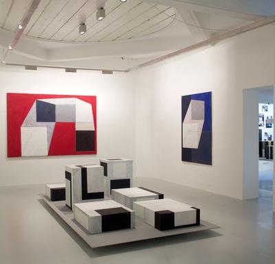 """Blick in die Ausstellung """"Arthur Salner: Raumbilderwelten"""" im aut"""