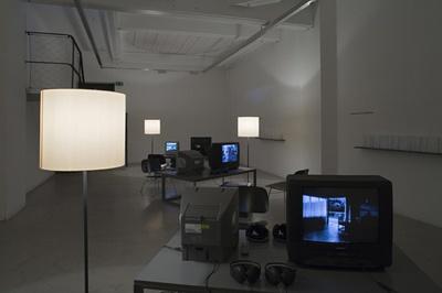 Filme über Architektur, Stadt und Design – Blick in die Ausstellung   Foto: © Nikolaus Schletterer