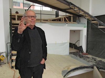 """Volker Giencke auf """"seiner"""" Baustelle im aut, Foto: © aut"""