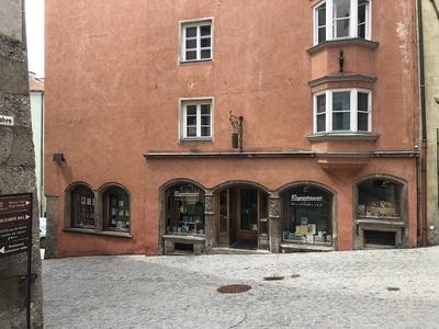 Ehem. Buchhandlung Moser, Hall in Tirol (1919 umgebaut von Lois Welzenbacher)