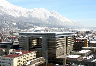 Aufstockung Frauen- und Kopfklinik, Innsbruck
